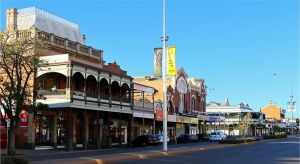 Dentist in Melbourne Partner Kalgoorlie Accommodation
